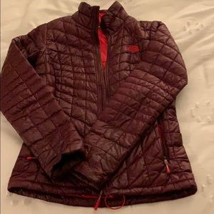 North face puffer jacket size xs